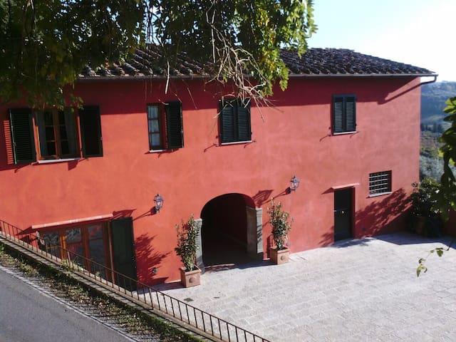 Farmhouse near Florence with exclusive garden