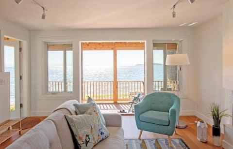 Shoreline Suite; a waterfront getaway