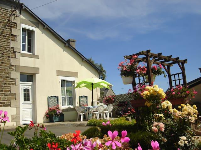 Gîte à 600m de la Plage en Bretagne - Lézardrieux - Hus