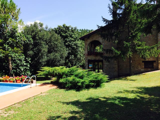 Chalet privato con piscina - swimming pool - Esanatoglia - 別墅