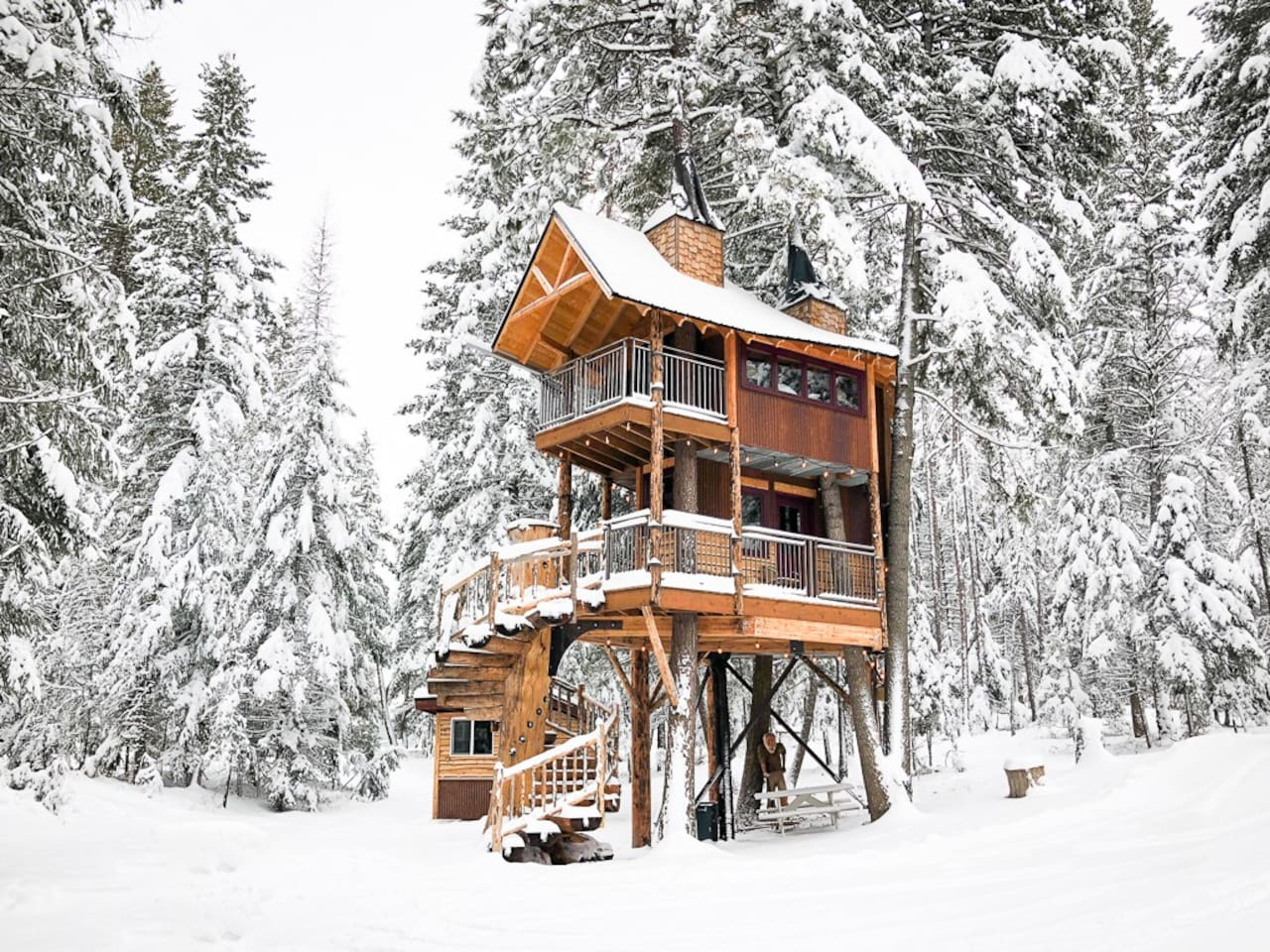Treehouse Rental in Montana on AirBnB