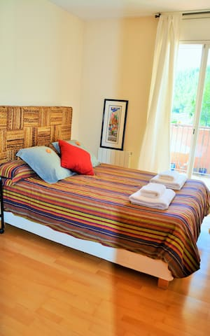 Villa Sitges Maria: Room 5: 2 single beds 90x190 that can be put together. On the 1st floor.
