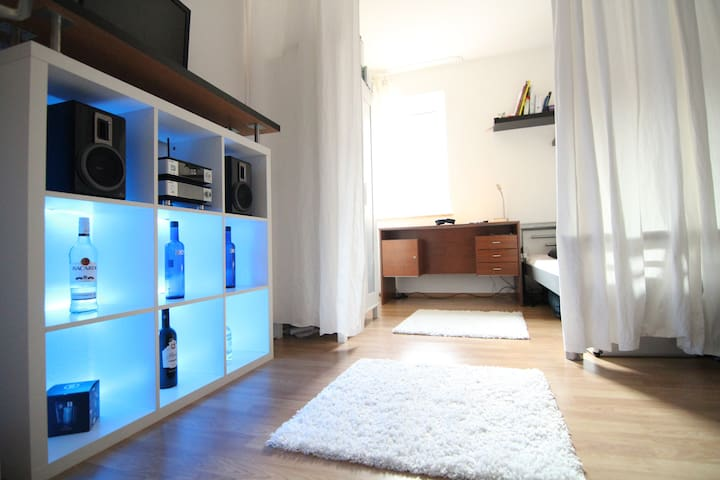 Your Oktoberfest Residence. Nearby! - Munique - Apartamento