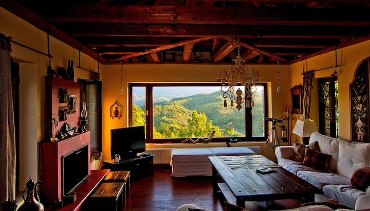 VILLA ZAGORI / THE RED HOUSE