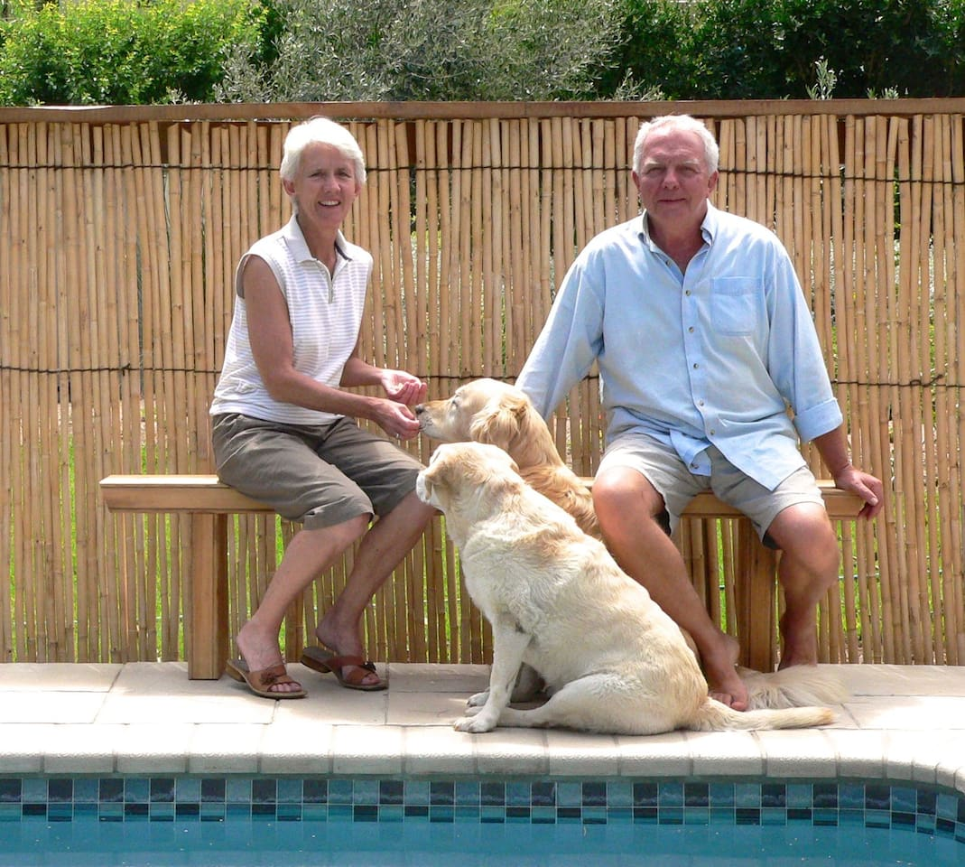 Your hosts, Sue and Hennie with Cody and Bella
