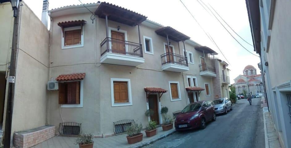 Delphi Paradise Apartments ZEUS