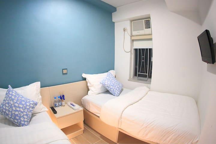 尖沙咀私人雙床房 2 SOLO BED ROOM@ 1min MTR