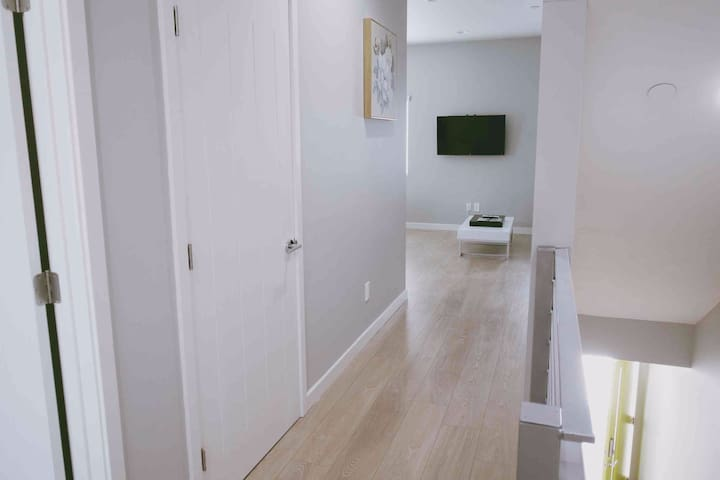 Contemporary Home 3BR/3Full BR Near DTLA - Los Angeles - Outros