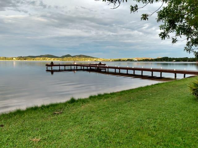 Apartamento com vista em local tranquilo na Lagoa