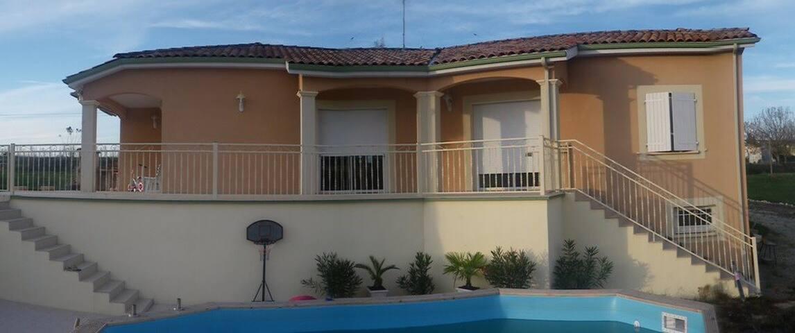 Villa de campagne coeur du SudOuest - Sainte-Gemme-Martaillac - Hus
