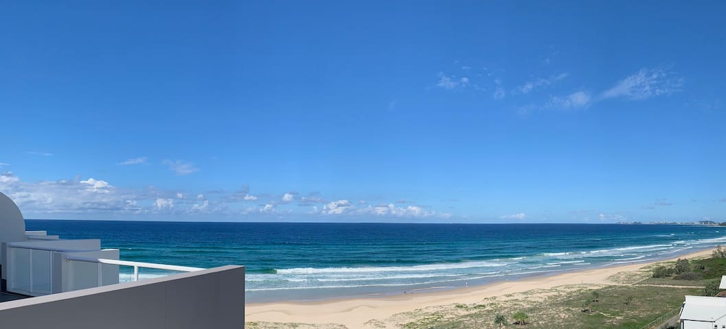 Beachside Apartment- Palm Beach. Gold Coast.