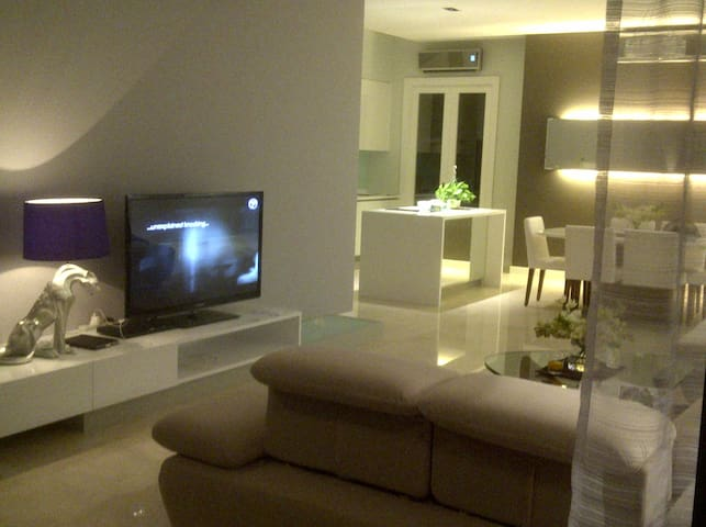 2 Bdr Luxury Condo in KL