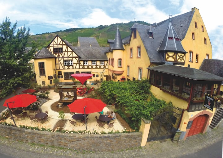 Ostflügel im Weingut & Schloss F. v. Landenberg