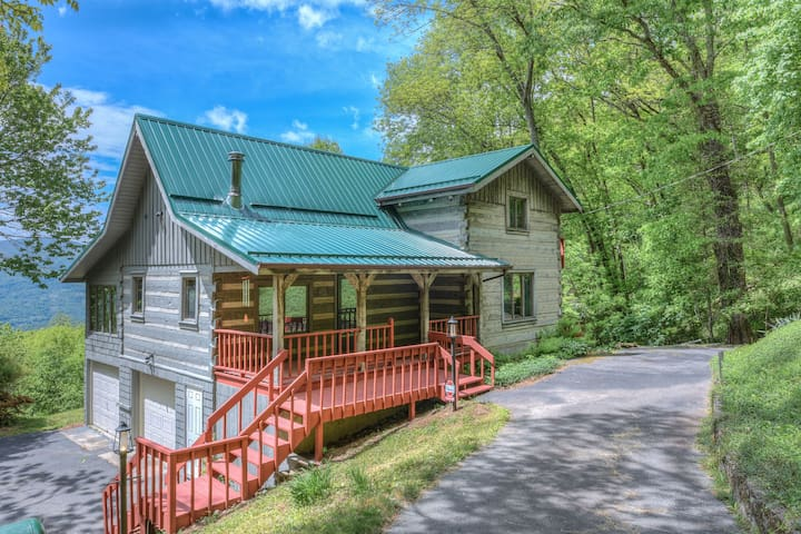Plott Mountain House-Amazing views @ 4,100 feet!!! - Waynesville