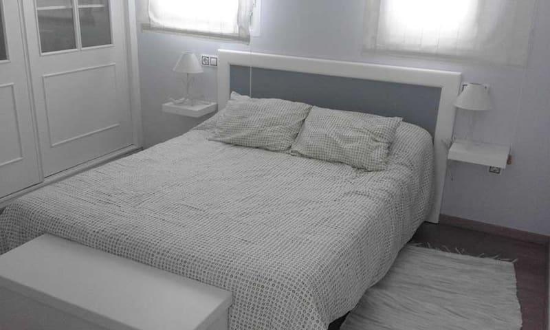 Apartamento a 15 mins de mas de 50 playas - Vimianzo - Apartment