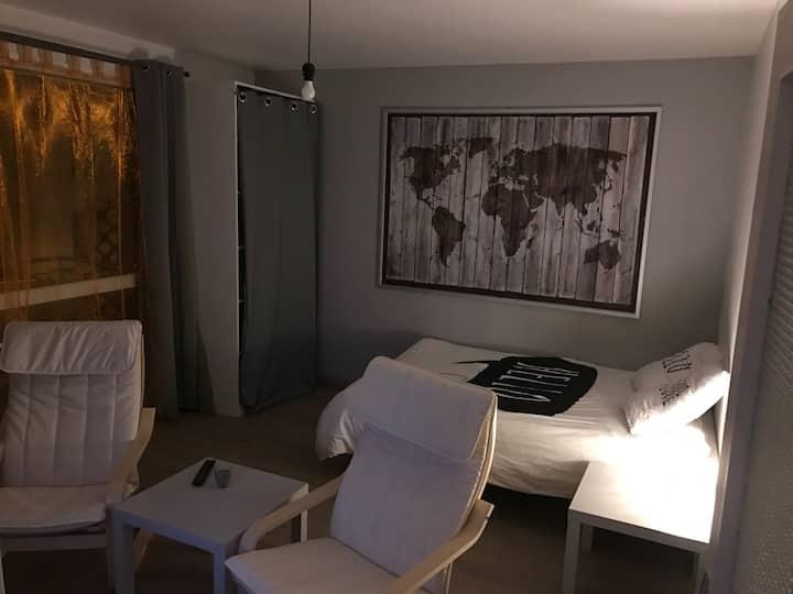 Studio à l'entrée de St Etienne