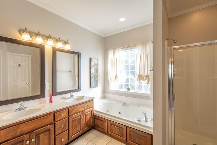 Comfortable Ooltewah home with scenic view - Ooltewah - Dům
