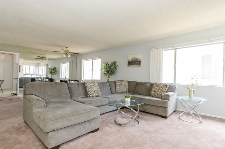 Large 3 Bed with Parking - BEST LOCATION