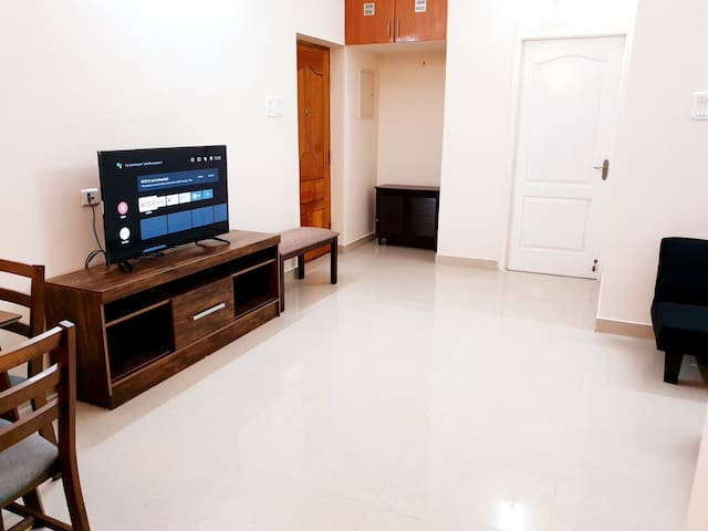 New & Fully Furnished 1Bhk @Velachery F2