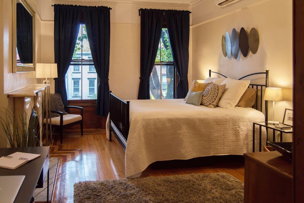 spacious park slope brownstone wohnungen zur miete in brooklyn new york vereinigte staaten. Black Bedroom Furniture Sets. Home Design Ideas