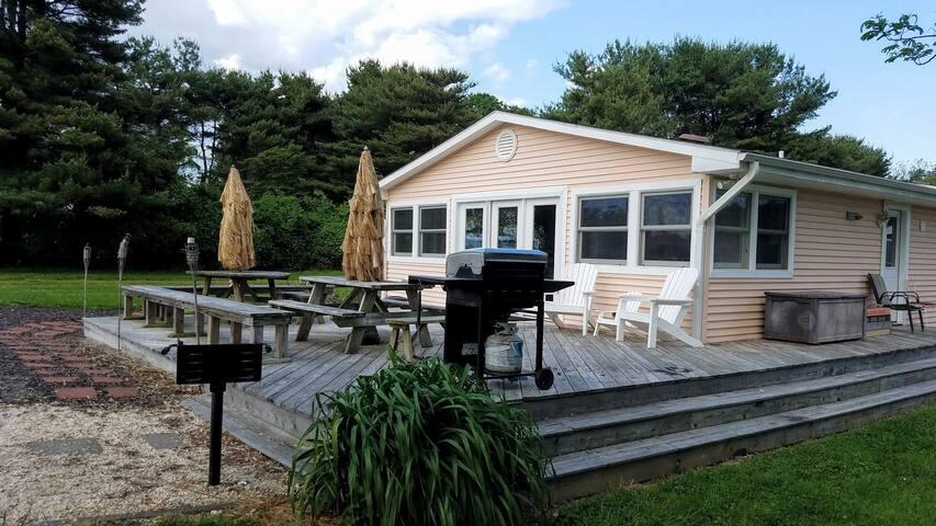 Kent Island Beach House by the Beach and Tiki Bar