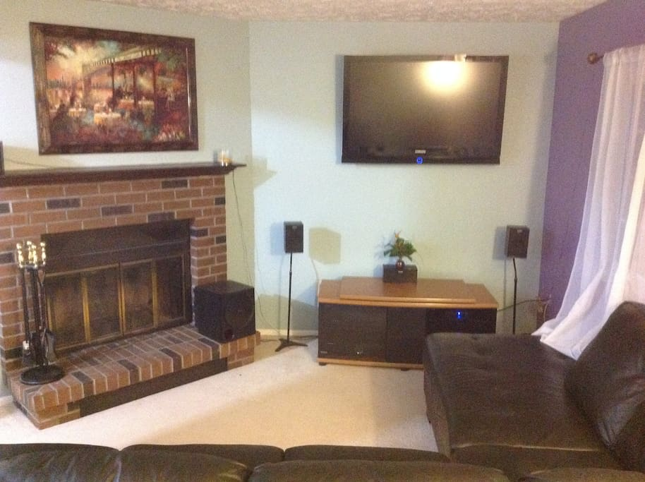 Private living room TV, Fireplace, Cable