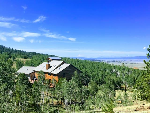 Amazing Views and Respite at 8,000 sq ft Lodge