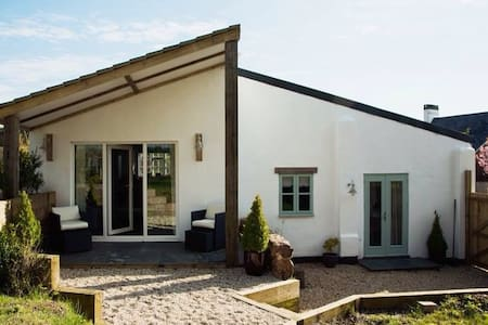 Luxury, contemporary cottage only 4 miles to beach - Devon