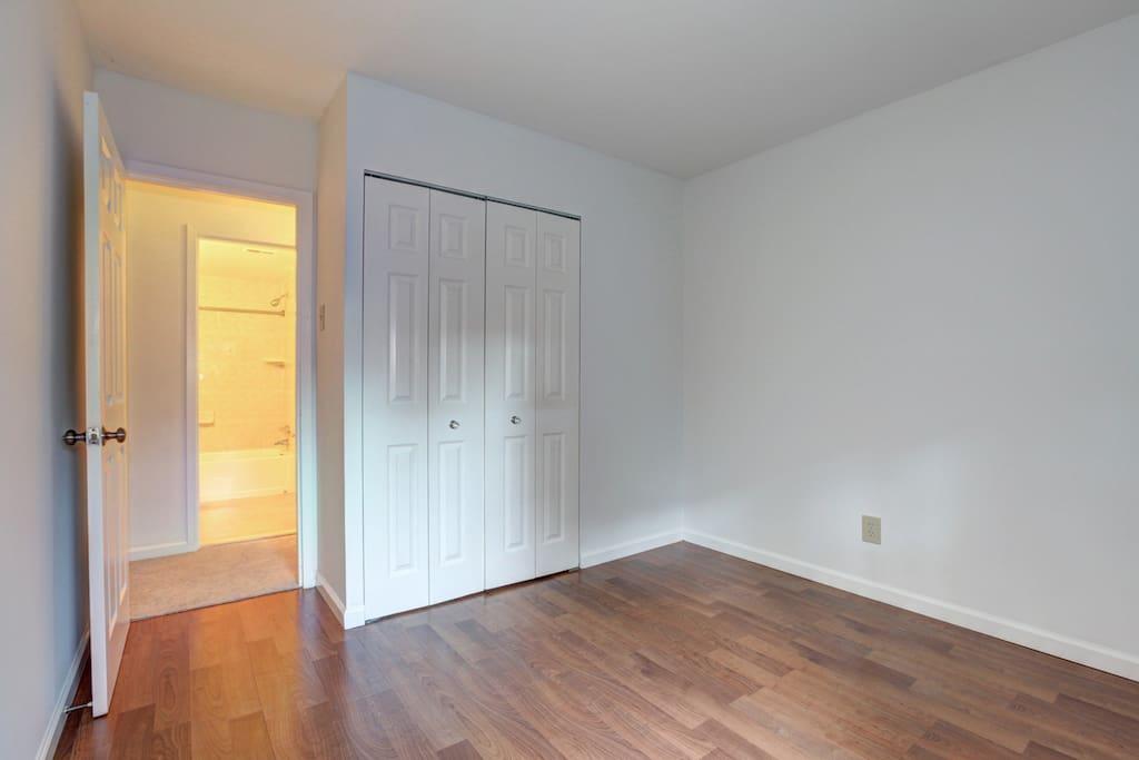 Guest bedroom - unfurnished