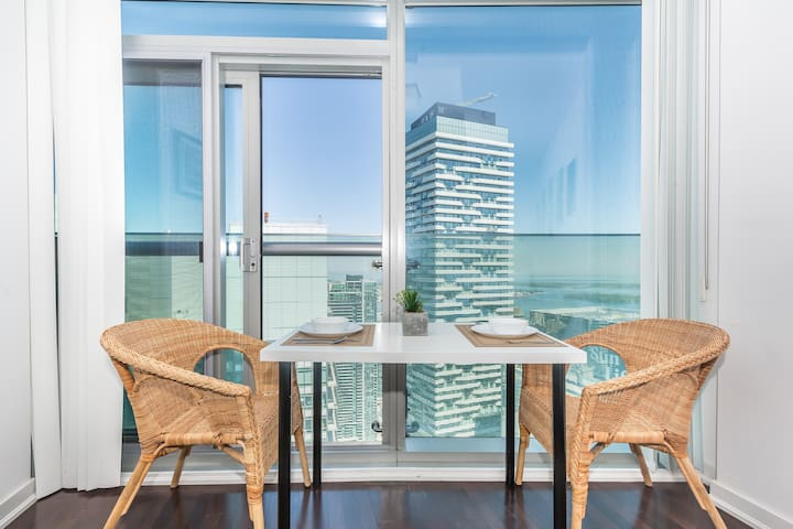 50+ Floor VIEW❣ of LAKE-SHORE ❤ EXECUTIVE Stay