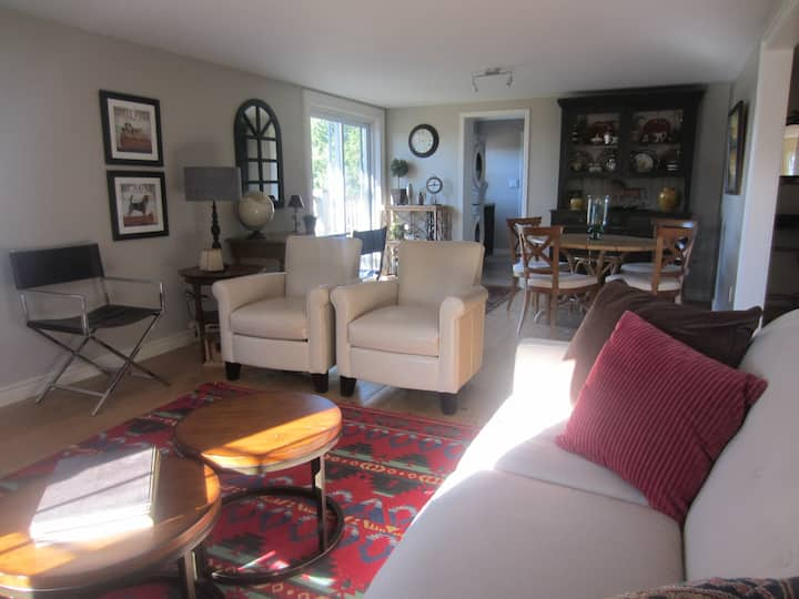 Coach house - cool loft apartment