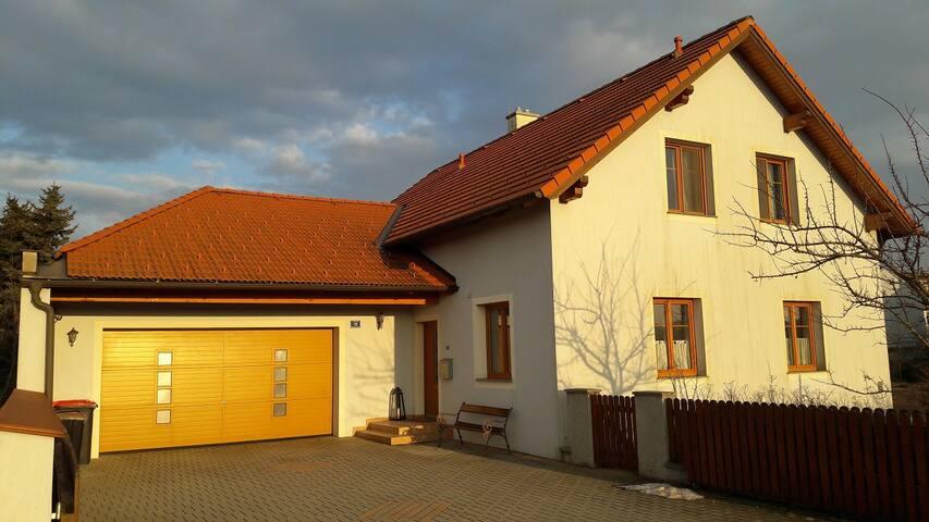 Modernes EFH (170m2) - Würmla - Casa
