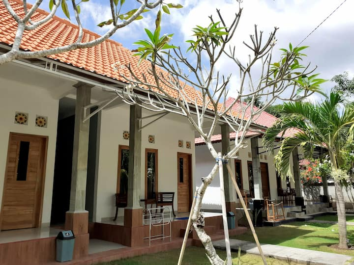 Hello Penida House (Deluxe room with garden #1)