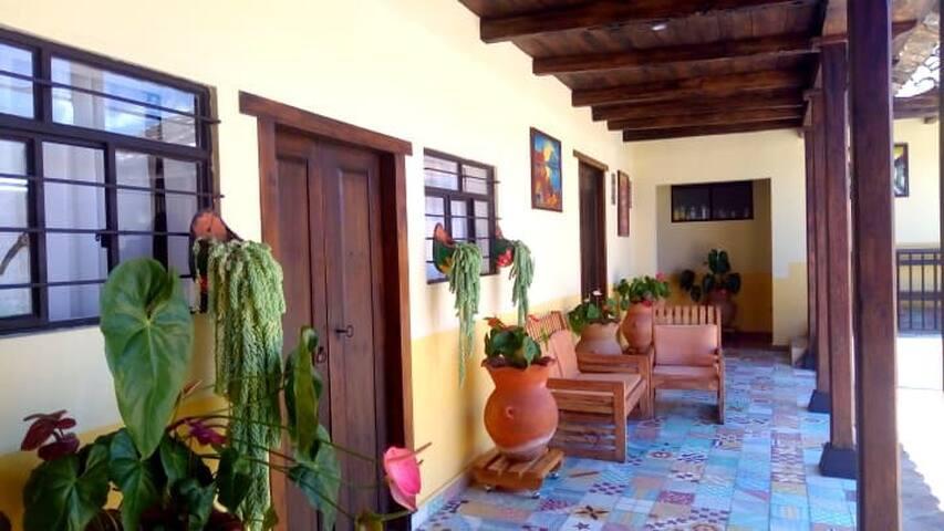 HOTEL DE LAS FLORES