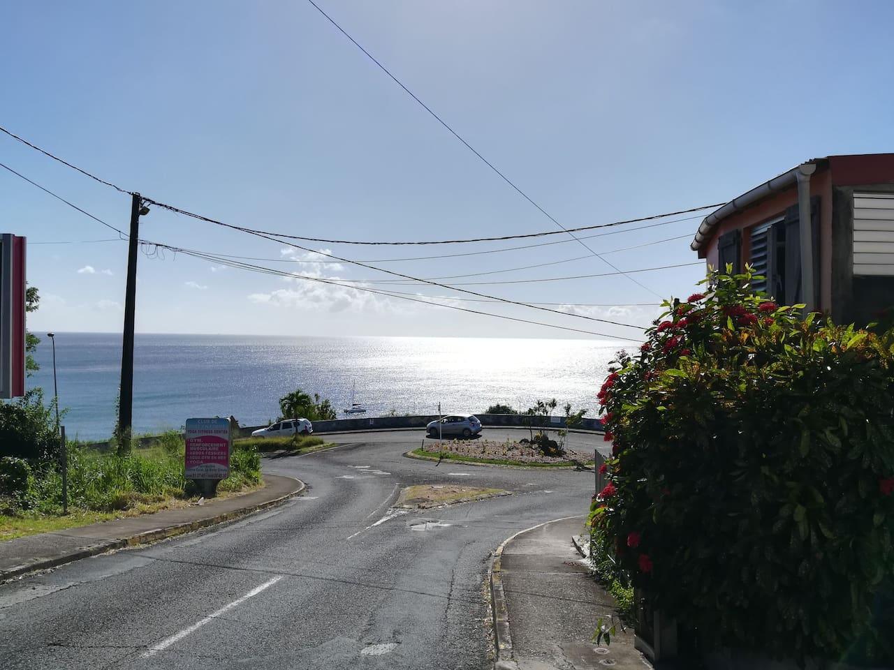 Magnifique vue en allant vers fort de France, à proximité de la maison