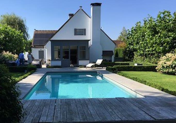 Villa met zwembad Kortrijk Rodenburg