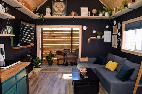 Luxurious Tiny Garden Home