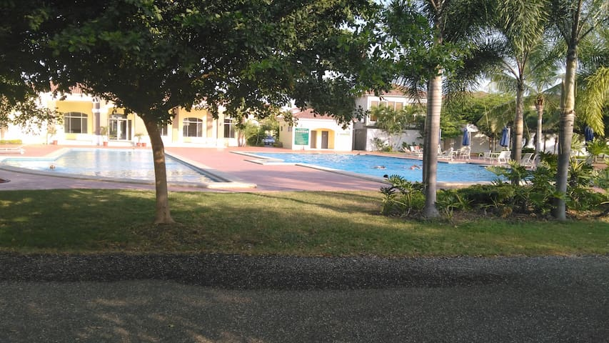 APARTAMENTO EN LA MEJOR ZONA (Samborondon) - Samborondón - Apartment