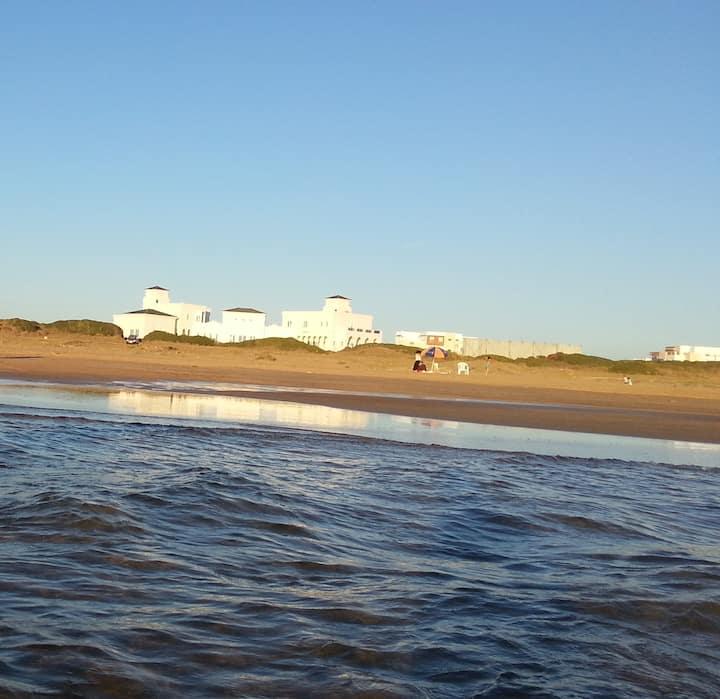Bel Appartement à côté de la plage
