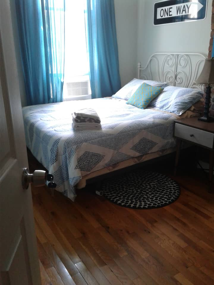 Fantastic room with private bathroom close NYC!