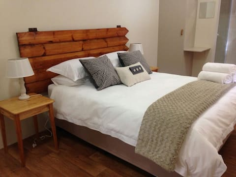 Well situated private double room