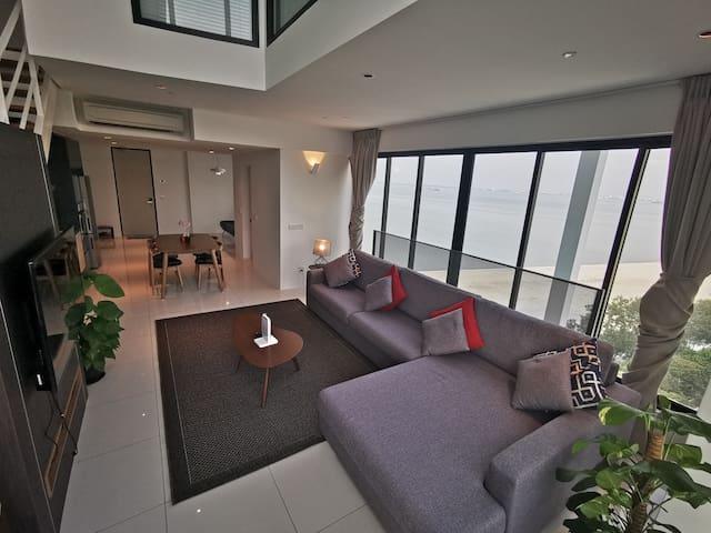 68PG Sunrise Gurney Seafront Seaview Duplex W5