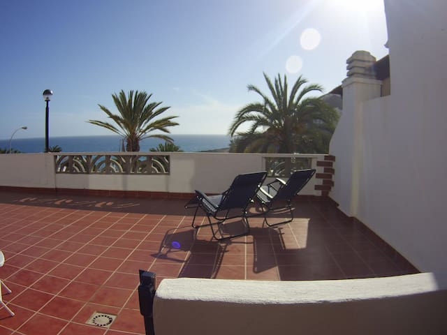 Quiet & modern seaside apartment with terrace - Mogán - Appartement