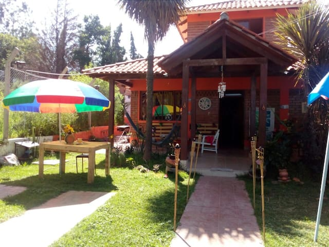 MONTAÑERO LODGE/BED AND BREAKSFAST