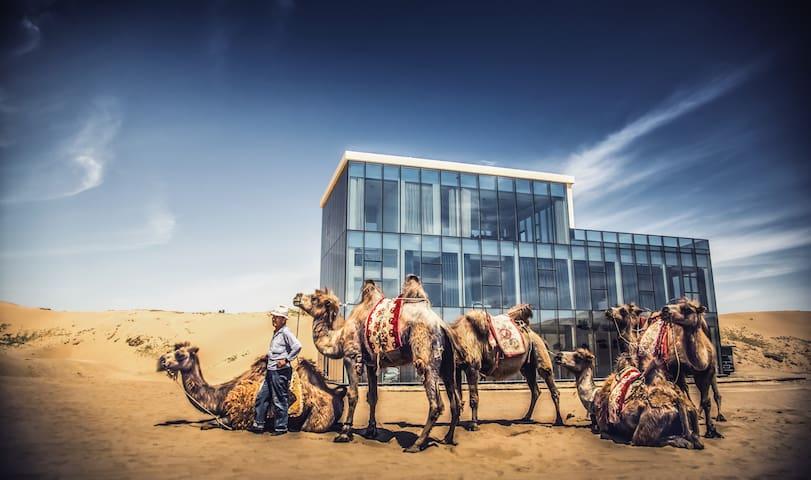 听风看水·玻璃盒子-腾格里沙漠