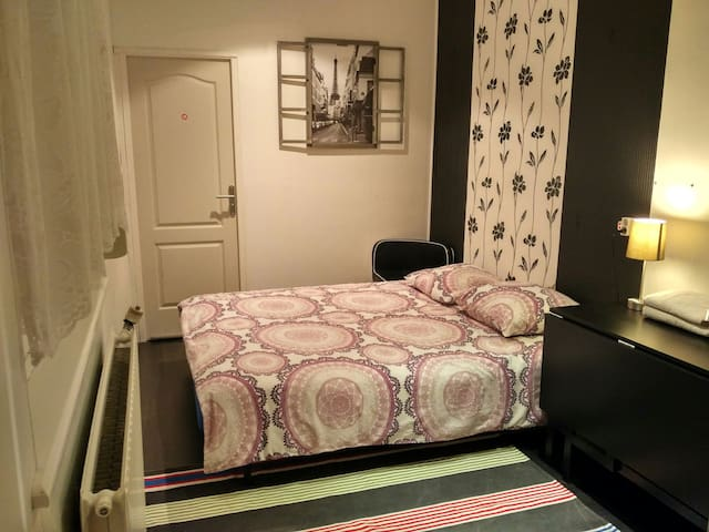 Quiet room for 2 people, private bathroom! - Malo les Bains