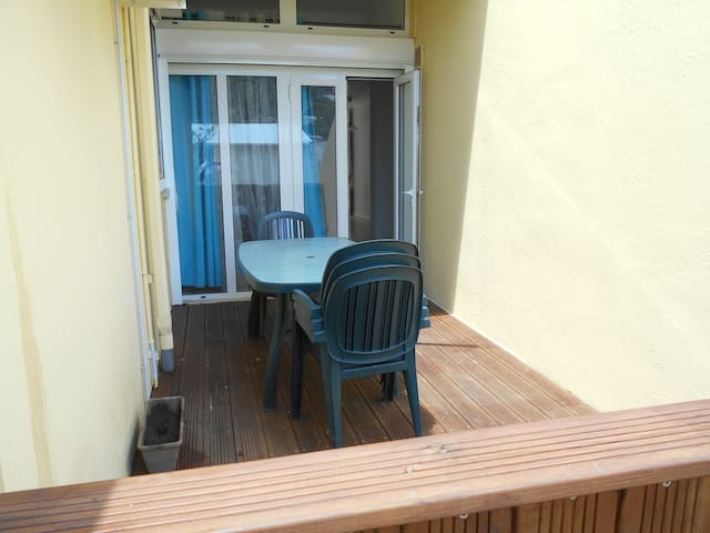 APPARTEMENT CALME DANS RESIDENCE SECURISEE