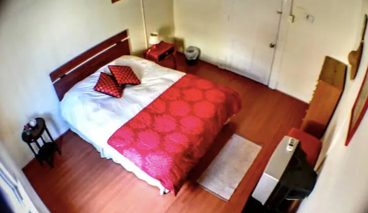 ㋡ Special price, PRIVATE bedroom with common areas