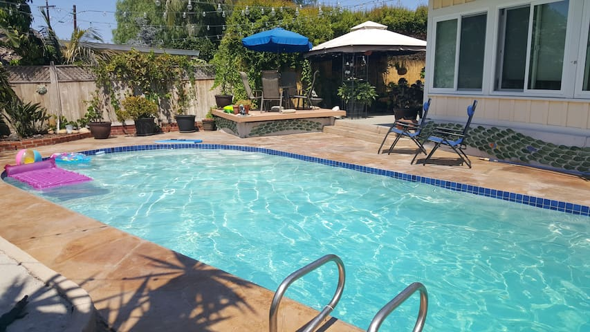 Private Entrance Studio with Pool & Hottub