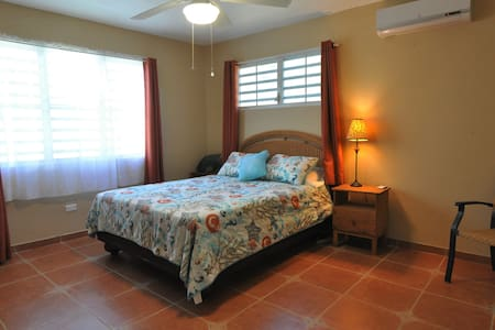 La Chiva has a queen size bed with private bathroom. Can accommodate 2 comfortably.